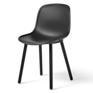 Neu 12 Chair Stol soft black stained solid oak - soft black